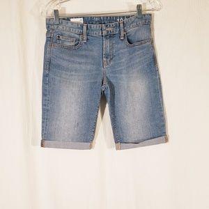 5/$20 GAP Skinny Bermuda Shorts size 26
